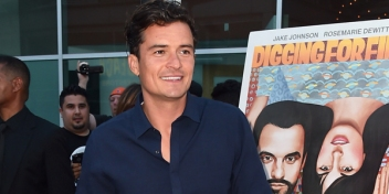 orlando-bloom-is-digging-for-fire